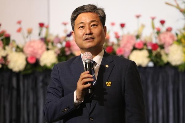 추모사를 하는 김영배 국회의원(서울 성북갑, 더민주)